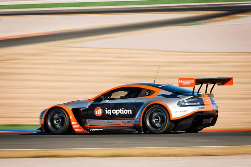 iq-option-aston-martin